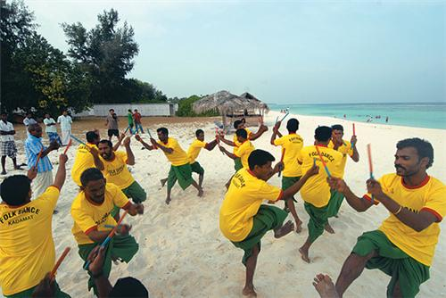 local people dancing in lakshadweep