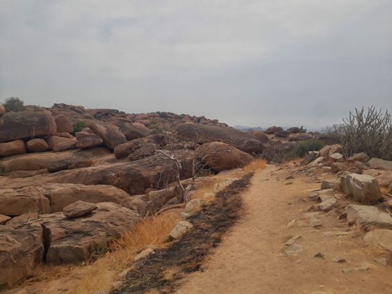 place for rock climbing in Hampi