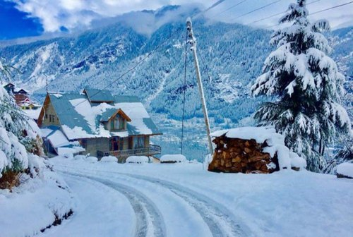 Shimla is a popular and affordable honeymoon places in India