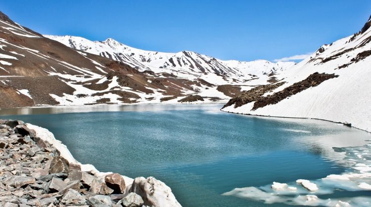 Trek to Alpather lake