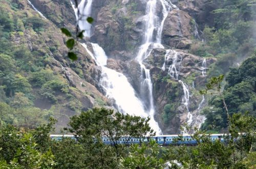 Ever thought of going to the cinematic waterfall with milky white water and a railway bridge in front of it with moving trains only to make the view even more scenic. The trek to Dudhsagar falls will let you enjoy this dynamic dreamlike location. So to fulfill this dream I contacted Adventuresome, who was organizing a trek to falls. So here are things that happened during the trek.
